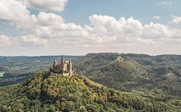 Luftaufnahme vom Schloss Hohenzollern an der Schwäbischen Alb
