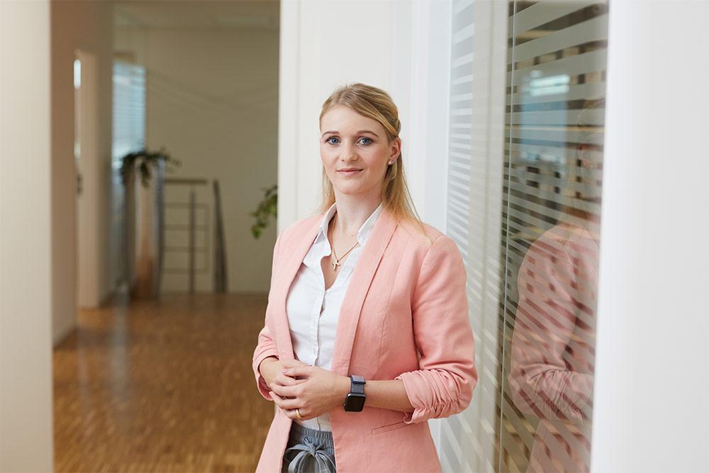 Rechtsanwalt Balingen Erbe & Hopt: Portrait Rechtsanwältin Eva Schneider